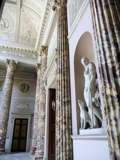 Kedleston Hall...  From...  http://thecaledonianminingexpeditioncompany.blogspot.fr/search?updated-max=2012-11-14T23:59:00-08:00=7=21=false#
