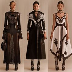 """Just look at Alexander McQueen's Resort 2019 Collection. Curvy Fashion, High Fashion, Fashion Show, Fashion Design, Couture Fashion, Runway Fashion, Womens Fashion, Alexandre Mcqueen, Alexander Mcqueen Couture"