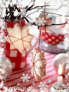 am load povsednevnaja_animacija nastroenie Christmas Coffee, Gold Christmas, Winter Christmas, Christmas Time, Happy New Year 2014, Merry Christmas And Happy New Year, Christmas Decorations, Christmas Ornaments, Holiday Decor