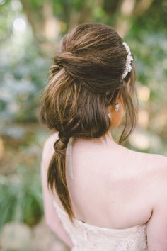 wedding hair ponytail - photo by Anna Delores Photography http://ruffledblog.com/garden-wedding-inspiration-with-antique-details #weddinghair #bridal #bridalhair