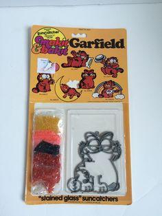 New VINTAGE GARFIELD 1982 MAKIT & BAKIT Stained Glass Suncatcher KIT Craft Retro #Quincraft