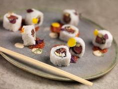 Beef roll with marinated and seared beef meat and finely smoked onion cream. Served with tomato powder