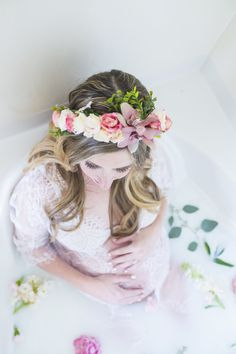 Milk Bath Maternity Photography Pictures | Milk Bath Tips | Milk Bath Pregnancy