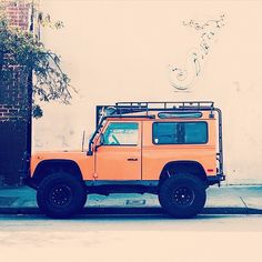 #LandRover #Defender #4x4 @papawolfsupplyco @mateosquints by far.well http://ift.tt/1AX6bov