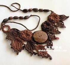 Website is Chinese and features many crocheted necklaces, interesting made around buttons, beads, rings and items which dress up the beauty of the crochet. Freeform Crochet, Bead Crochet, Irish Crochet, Crochet Motif, Crochet Flowers, Crochet Earrings, Crochet Patterns, Textile Jewelry, Fabric Jewelry