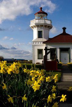 Farol de Mukilteo, próximo à ilha Whidbey, a maior ilha na região do estreito de Puget Sound. Washington, USA.