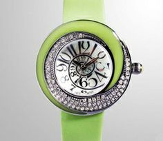 fresh and Cool style Gadget Watches, Cool Watches, Wear Watch, Green Girl, Queen, Fresh Green, Glamour, My Favorite Color, Bracelet Watch