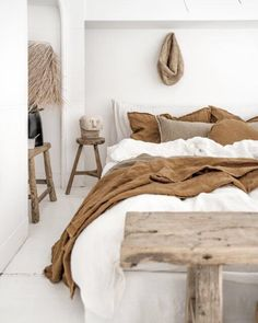 Country Home Interior We all love an all white aesthetic and its so easy to change up by adding in new accent colours. We love bringing the outdoors in by using earthy tones like Russo and Cep to add interest and warmth. Styled and captured in Milan by Quinta Interior, Earthy Bedroom, Linen Sheets, Linen Bedding, Bedding Sets, Interior Styling, Interior Design, Interior Colors, Interior Modern