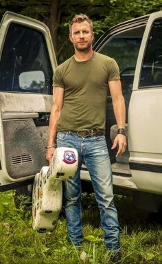 I think Dierks Bentley would make a perfect Sawyer Country Man, Country Strong, Country Girls, Male Country Singers, Country Artists, Dierks Bentley, Westerns, Country Music Stars, Raining Men