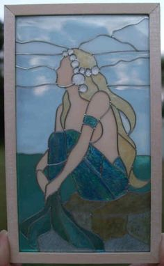 stained glass mermaid from Harry Potter. Stained Glass Patterns Free, Stained Glass Designs, Stained Glass Projects, Mosaic Designs, Mosaic Art, Mosaic Glass, Fused Glass, Stained Glass Angel, Stained Glass Windows