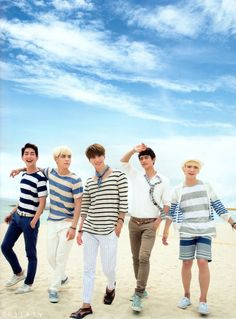 Let's all wear stripes and not tell Minho. lol