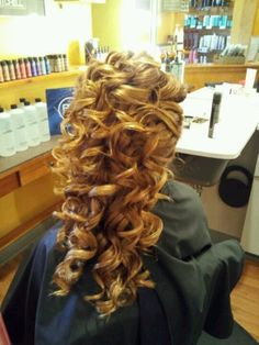 Homecoming hair  @Kayla Rewolinski Love these curls!