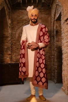 Indian Groom Dress, Wedding Dresses Men Indian, Wedding Outfits For Groom, Wedding Dress Men, Wedding Suits, Wedding Attire, Indian Wear, Mens Sherwani, Sherwani Groom