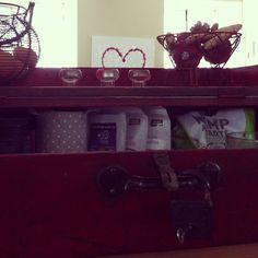 boîte de bois pour cacher des trucs sur le comptoir
