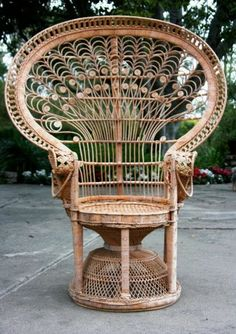 Exceptionnel I Need One Of These Vintage Wicker Peacock Chairs.