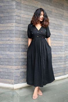 Casual Indian Fashion, Indian Fashion Dresses, Indian Designer Outfits, Designer Dresses, Feminine Fashion, Retro Fashion, Fashion Women, Frock For Women, Western Dresses For Women