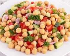 Recipe for chickpea salad in the east. Ingredients, preparation and associated recipes. Salade de pois chiches à l'orientale Healthy Eating Tips, Healthy Salad Recipes, Healthy Nutrition, Veggie Recipes, Beef Recipes, Dog Food Recipes, Drink Recipes, Salad Dressing Recipes, Vegetable Drinks