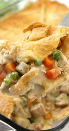 Chicken Pot Pie Casserole ~ Super simple weeknight family meal... Since this recipe uses store bought crescent rolls for the crust, it comes together quite easily. You can grill a few chicken breasts or use a store bought rotisserie chicken too!
