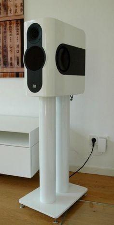 Kii Three with speaker stand Diva Stand II white Edition by Liedtke-Metalldesign Hifi Speakers, Bookshelf Speakers, Monitor Speakers, Audio Design, Speaker Design, High End Hifi, Good Day To You, Sound Speaker, Dj Equipment