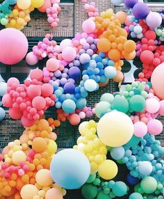 How fun are these balloons?!!!!