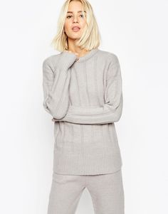 Amazing cosy jumper! Could look great with a pair of skinny jeans and some ankle boots. Find it here: http://asos.do/oVwbhz