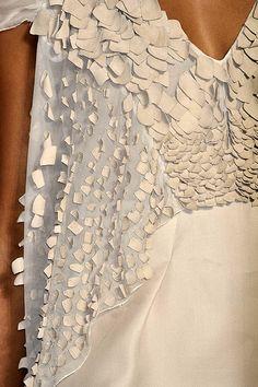 Surface pattern & texture detail // dress by Alberta Ferretti #fashion