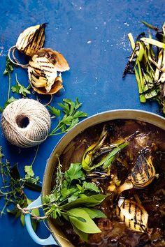 Chicken stock | Hoenderaftreksel #rooirose Soup, Chicken, Soups, Cubs