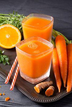 15 receitas de suco de cenoura que beneficiam sua saúde e beleza - Chás/Sucos. Health Drinks Recipes, Healthy Drinks, Healthy Eating, Healthy Recipes, Healthy Food, Bebidas Detox, Kiwi Smoothie, Sans Gluten, Food And Drink