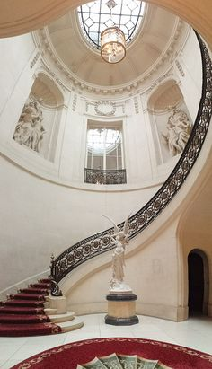 Beautiful foyer