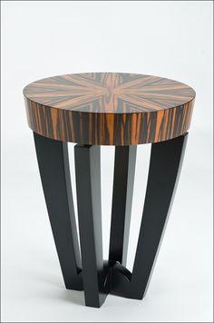 The flat topper Macassar ebony. Diy Cardboard Furniture, Iron Furniture, Woodworking Furniture, Home Decor Furniture, Unique Furniture, Furniture Projects, Furniture Design, Tea Table Design, Wood Table Design