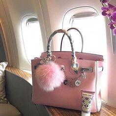 Details via @fashionclassypost #cute #casual #stylish #streetfashion #details #pink