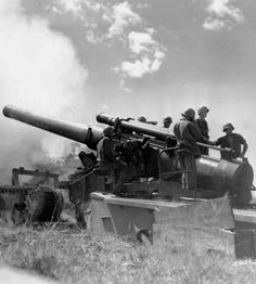 M1 240mm howitzer with tracked carriage