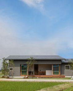 外観|ネイエ設計 Japanese Modern House, Modern Small House Design, Modern Contemporary Homes, Love Home, My Dream Home, Simple House Exterior, House Rooms, House Wall, House Floor Plans