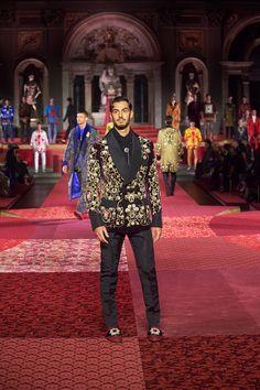 Dolce&Gabbana Alta Sartoria Menswear Show at Palazzo Vecchio - Fashionably Male Menswear, Street Style, Urban Style, Street Style Fashion, Men Wear, Men Clothes, Street Styles, Men's Fashion, Men's Clothing