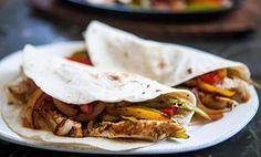 Les fajitas au poulet Weight Watchers, si facile à réaliser, et si rapide, recette pour 4 personnes, temps de préparation 40 minutes.