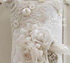 Ivory Jacquard~Vintage Roses~HANGING SACHET PILLOW~Lace~Shabby Cottage Chic~Rose