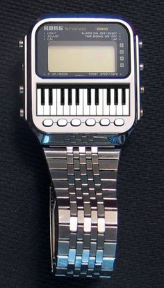 KORG kronos Watch Synthesizer ~ the name was recycled for their big flagship synthesizer.How neat as a watch! Great piece for any synth lover, seems like it would be a bit difficult to play with those small keys, so tiny - liza Retro Watches, Vintage Watches, Cool Watches, Watches For Men, Wrist Watches, Fancy Watches, Dream Watches, Men's Watches, Alter Computer