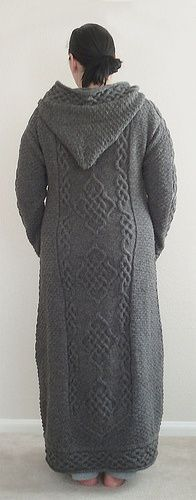 Epic work! Free pattern.. This looks comfy but maybe half length.
