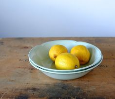 Greendawn/Johnson Bros Bowl by Metoox on Etsy Johnson Bros, Vintage China, Serving Bowls, Orange, Fruit, Trending Outfits, Tableware, Etsy, Food