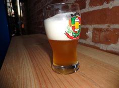 Cerveja Mai Fei Belgian Ale, estilo Belgian Golden Strong Ale, produzida por  Cervejaria Caseira, Brasil. 8.5% ABV de álcool.
