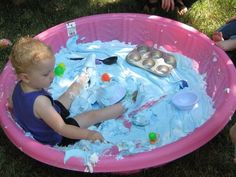 Crafty kids & other fun ideas Cheap Summer Fun: 10 Alternative Uses for Your Plastic Kiddie Pool Pool Activities, Birthday Activities, Infant Activities, Montessori Activities, Plastic Baby Pool, Kiddie Pool Games, Apartment Therapy, Messy Play, Cool Pools