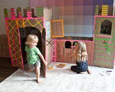 Un chateau de carton, construit par des enfants