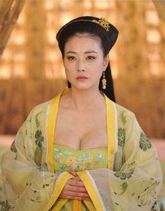 Chinese Traditional Costume, Traditional Fashion, The Empress Of China, Motorbike Girl, Beautiful Nature Wallpaper, Drama, Japanese, Outfits, Beauty