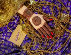 Kashee's Mehndi Designs, Henna Designs Easy, Mehndi Designs For Fingers, Kashees Mehndi, Best Song Lyrics, Girls Dp Stylish, Diy Home Crafts, Fingerless Gloves, Arm Warmers