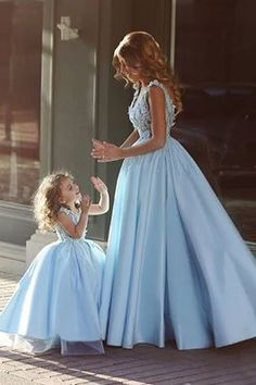 Angelic mother / daughter matching dresses