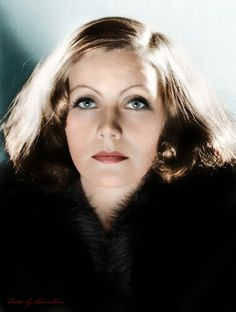 """Anyone who has a continuous smile on his face conceals a toughness that is almost frightening"" - Greta Garbo,A beautiful color photo of her. Hollywood Stars, Hollywood Cinema, Old Hollywood Glamour, Golden Age Of Hollywood, Vintage Hollywood, Hollywood Actresses, Actors & Actresses, Divas, Actrices Hollywood"