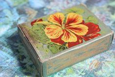 Vintage Nasturtium Seed Box by CaityAshBadashery on Etsy, $4.95