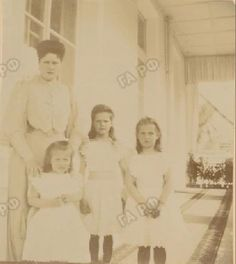 Rare photo of Empress Alexandra Feodorovna with her daughters, c. 1905 by lovelyotma from Instagram
