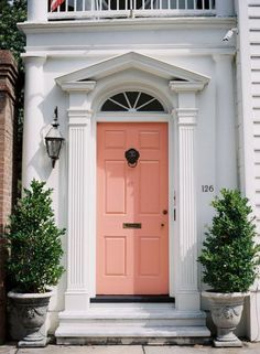Image via We Heart It https://weheartit.com/entry/171982012/via/8459516 #color #door #house #london #peach #126