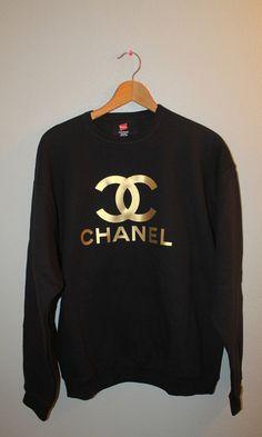 Gold de Chanel black sweater.